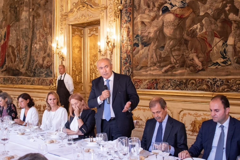 فؤاد مخزومي في مؤتمر لمعهد الدراسات الدولية والسياسية في ميلانو