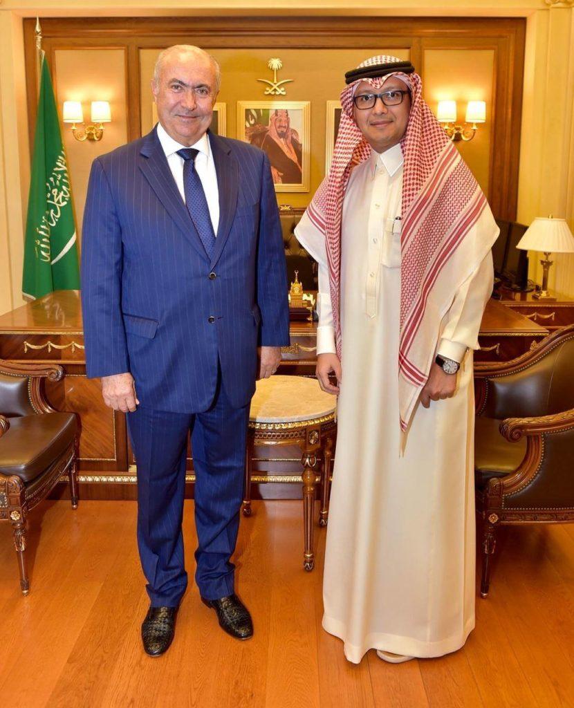 فؤاد مخزومي و السفير السعودي وليد البخاري