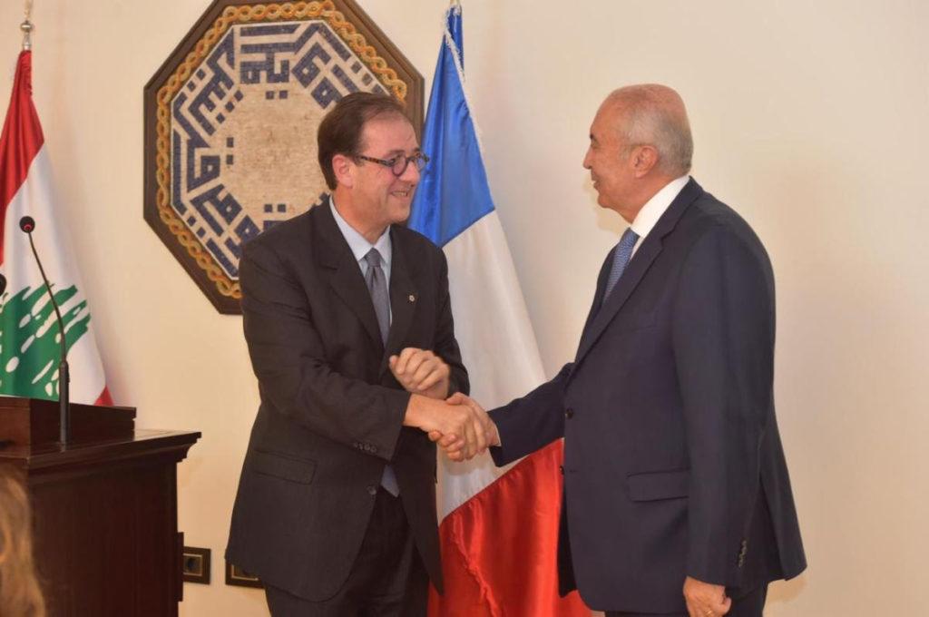 فؤاد مخزومي و سفير فرنسا برونو فوشيه