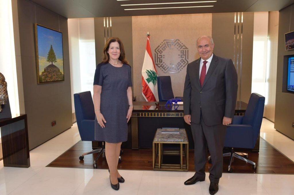 فؤاد مخزومي والسفيرة الأميركية السيدة دوروثي شيا