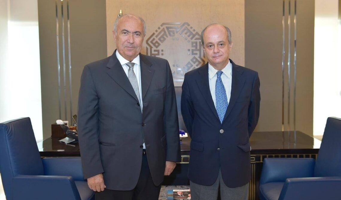فؤاد مخزومي والسفير الإسباني في لبنان خوسيه ماريا فيري